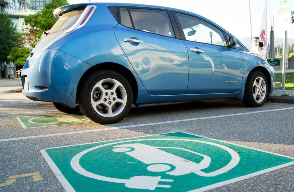 Электромобили парковка